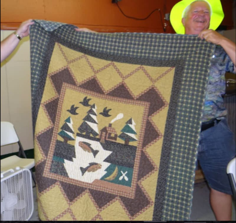 Quilt winner at the Minnesota Rally