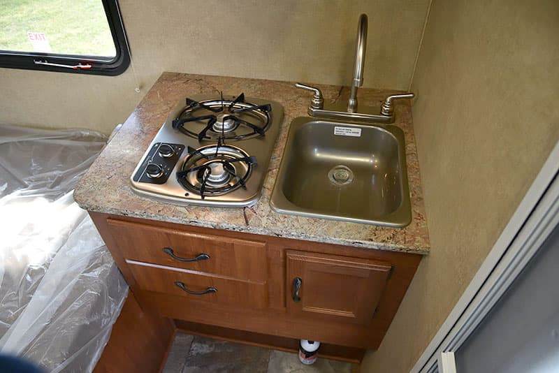 Rayzr FB stove and sink