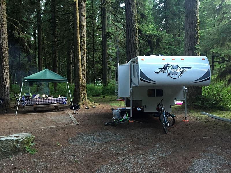 reader-camping-fun-burt-3