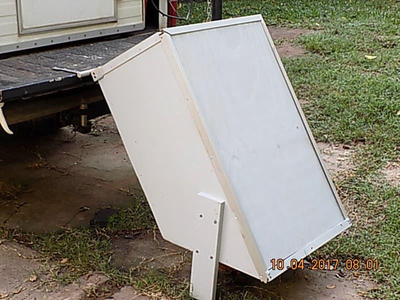 Rear Lockable Storage Step Box