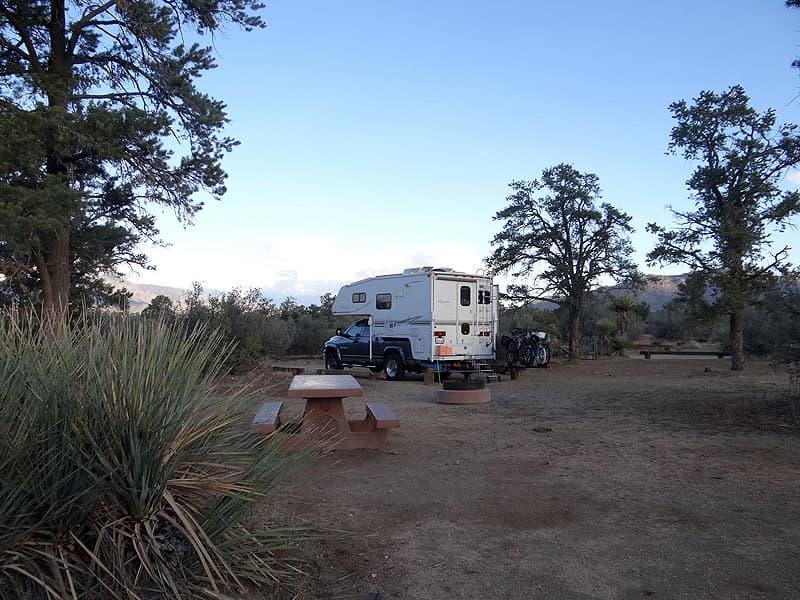 Road school dry truck camping