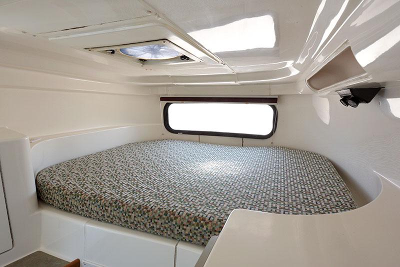 Roamer Camper Interior Cabover Wide