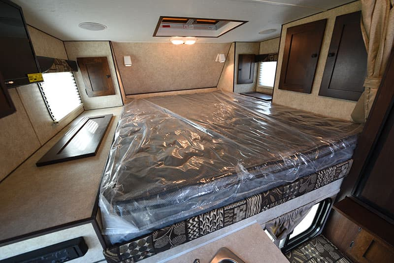Rugged Mountain 860 Mattress and Cabover