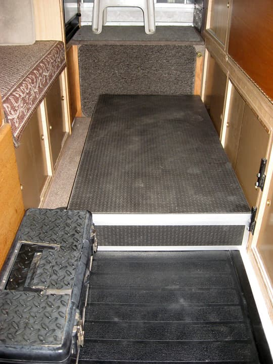 camper-interior-floor