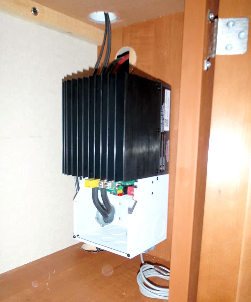 Charge-Controller-in-camper-Cabinet