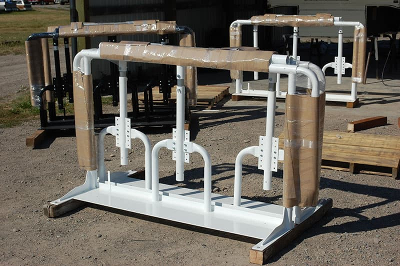 Stable Lift white powder coated systems