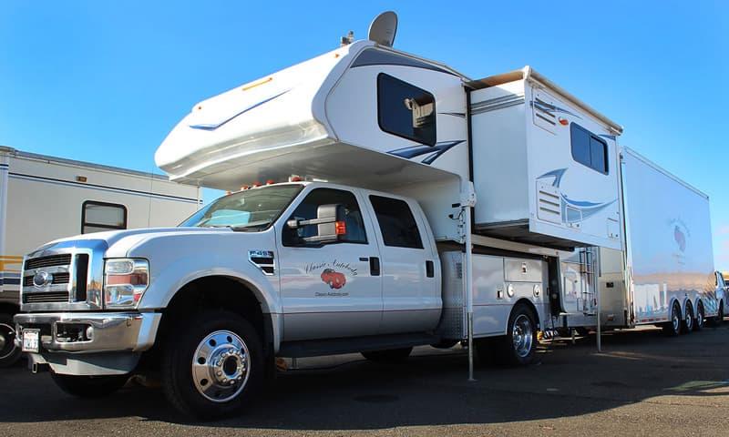 Steve Torp Lance Truck Camper 1172