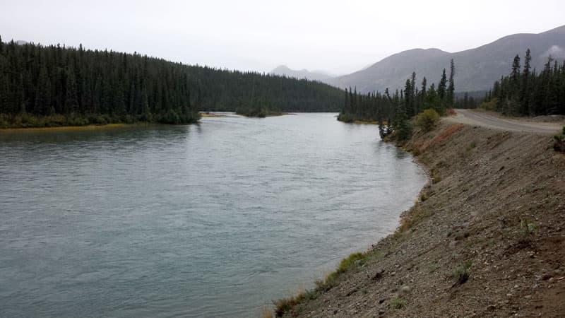 Takhini-River-Yukon-Territory-Camp