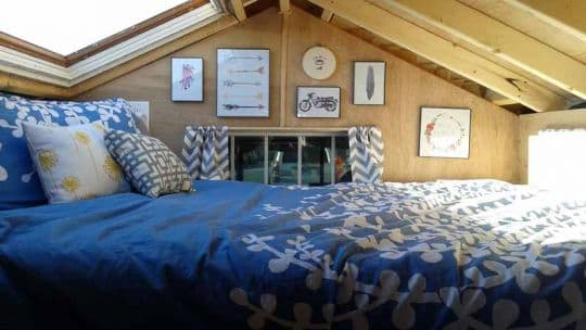 Ford-Flophouse-interior-bed