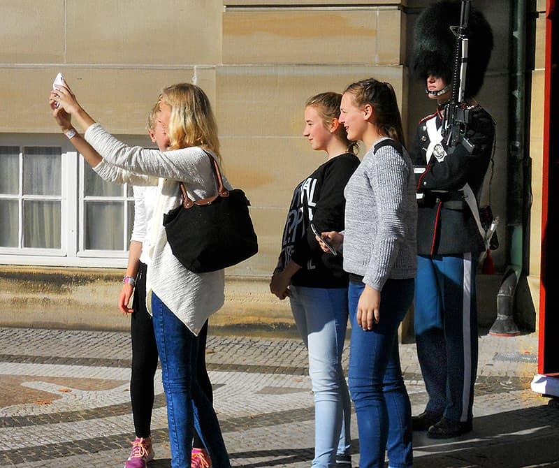 selfie-queen's-palace Copenhagen