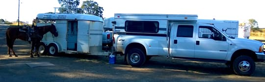 towable-horse-trailer-camper