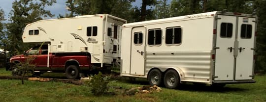 towable-horse-trailer-clark