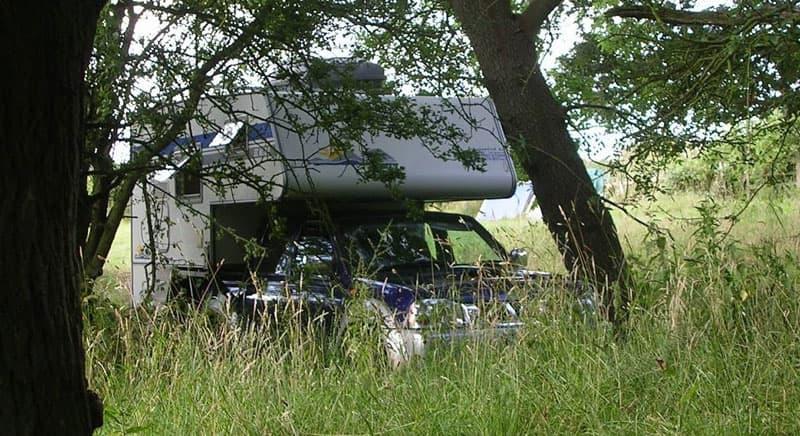 Toyota Hilux and SKarosser camper