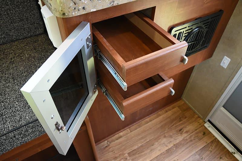 Travel Lite Air kitchen drawers