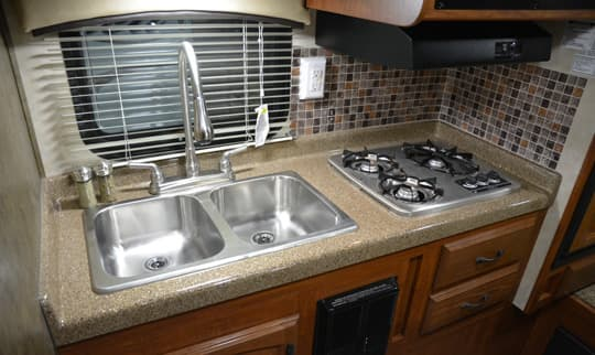 Travel-Lite-Illusion-kitchen-with-backsplash