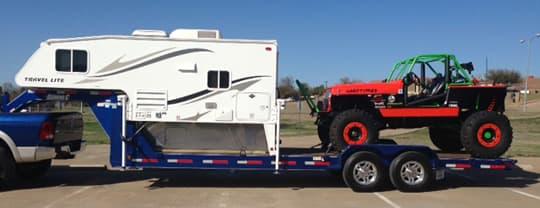 Haulers pour l'inspiration... Gooseneck-trailer-camper-jeep