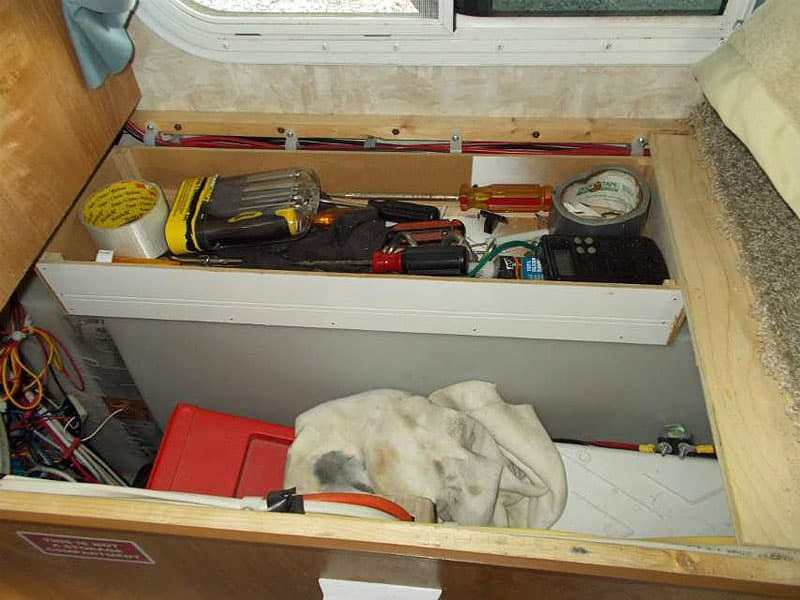 Tray Mod stores tools