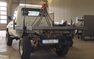 Truck-Camper-flatbed-adjusting