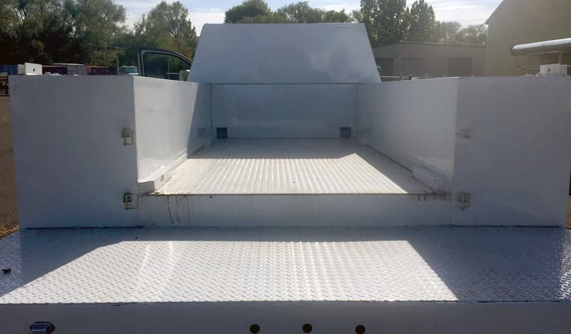 Utility bed without camper