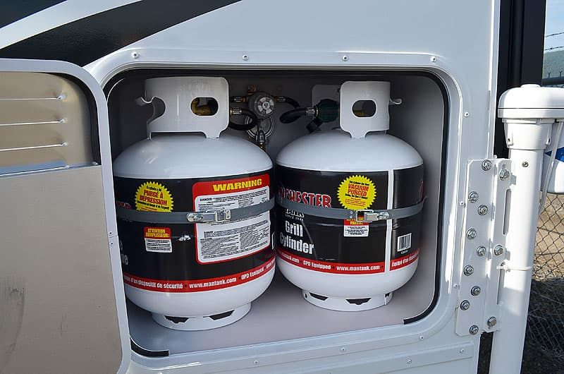 Wolf Creek Campers two 20-pound propane tanks