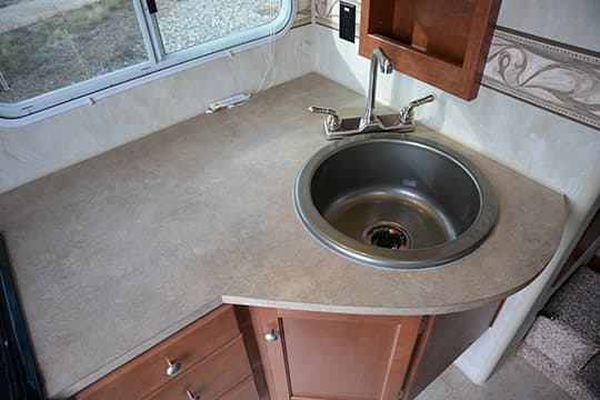 2015-Wolf-Creek-840-Kitchen-Sink