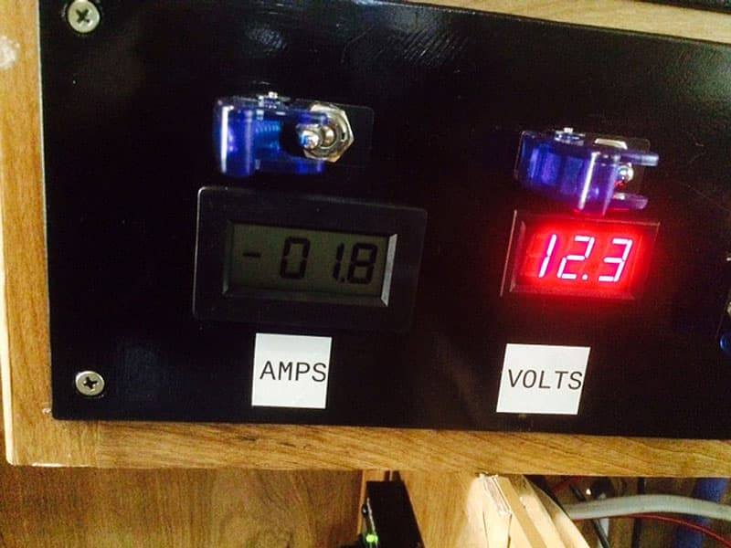 measuring amps and volts
