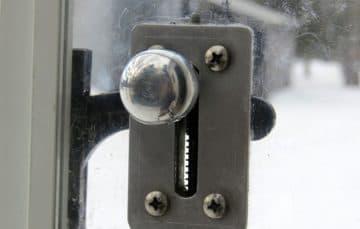 screen door handle opener
