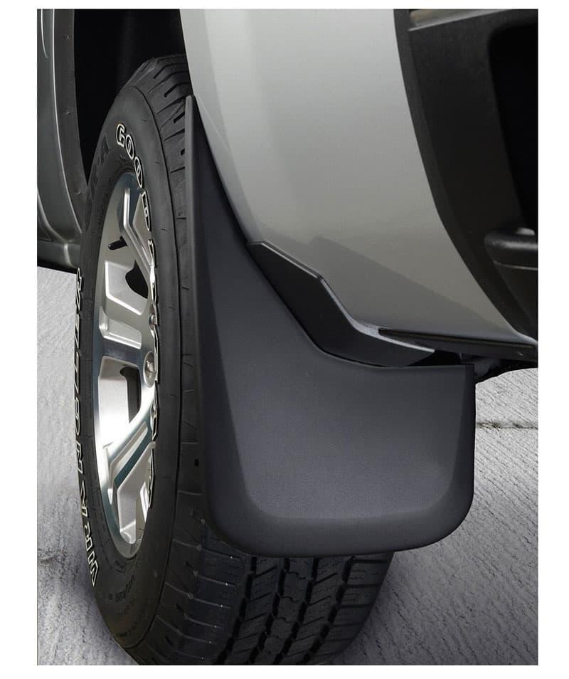 husky-mud-flaps-tire-truck
