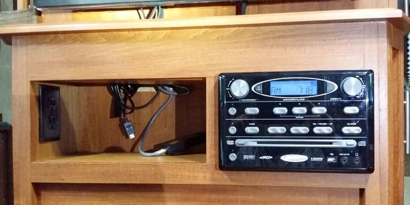 kitchen-Radio-Panel-out