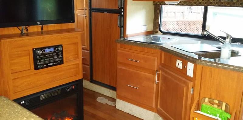 kitchen-radio-before-move