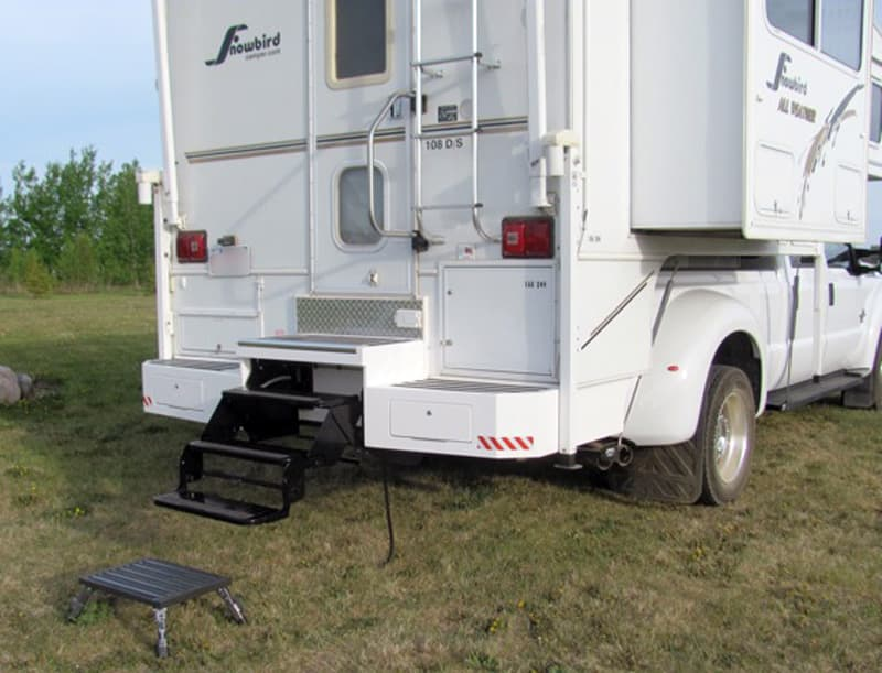 New storage step bumper on Snowriver camper