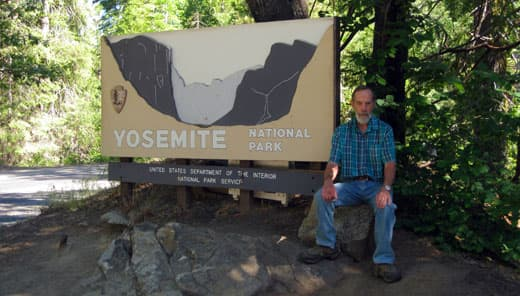 yosemite-national-park-sign