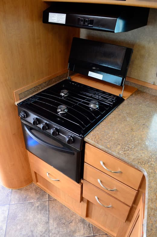 Adventurer-Camper-Review-89RB-Stove-Microwave