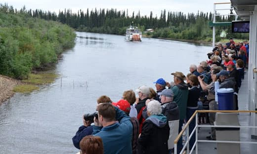 Alaska-on-a-budget-Riverboat-discovery