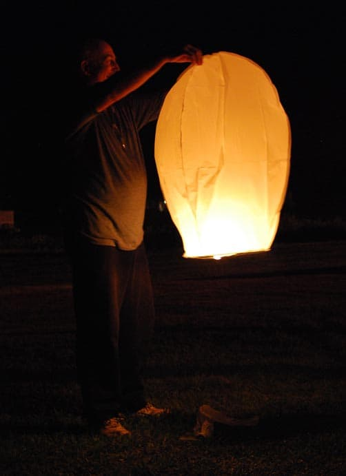 Mikeee setting up the Lantern