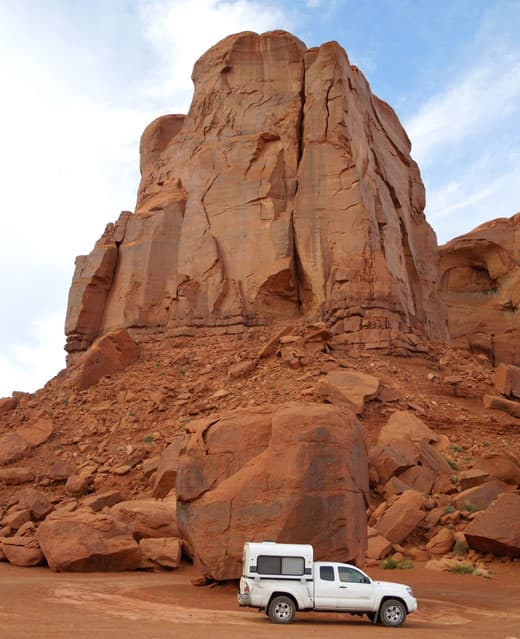 monument-valley-camper