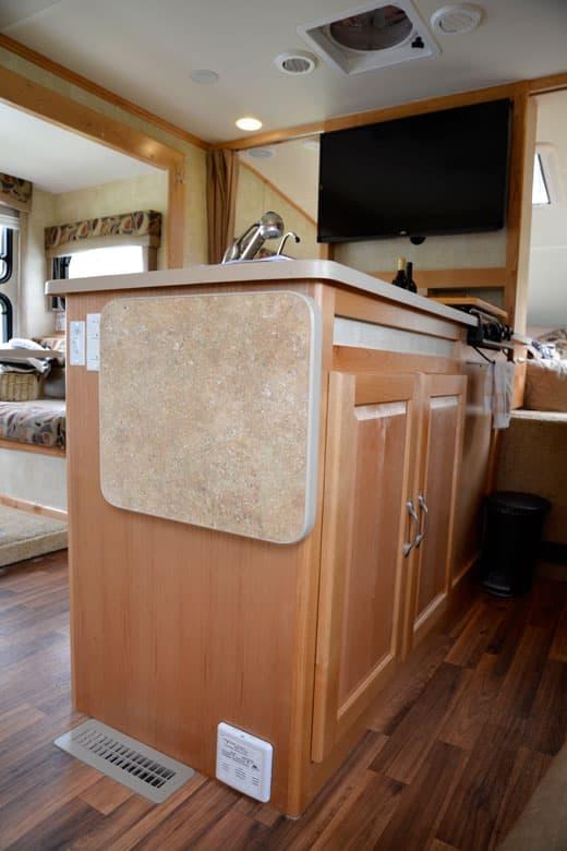 Chalet Rv Ts116 Triple Slide Truck Camper Washer Dryer