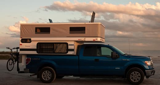 four-wheel-camper-hatch
