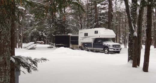scott-camping-camper-snow