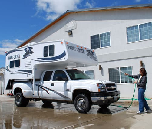 Washing the Wolf Creek 850 Rig