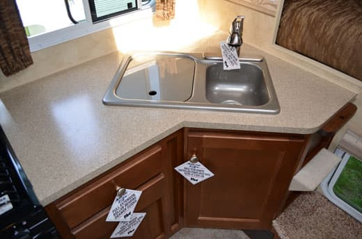 Arctic-Fox-990-galley