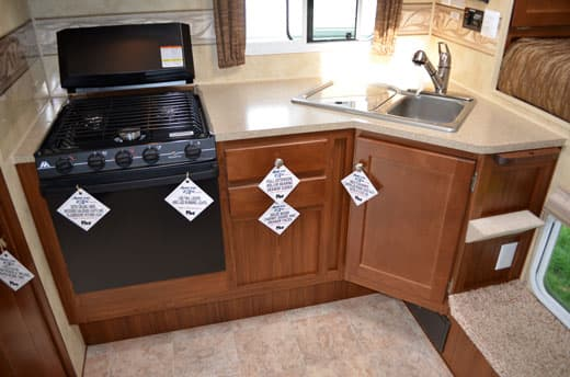 Arctic-Fox-990-Kitchen
