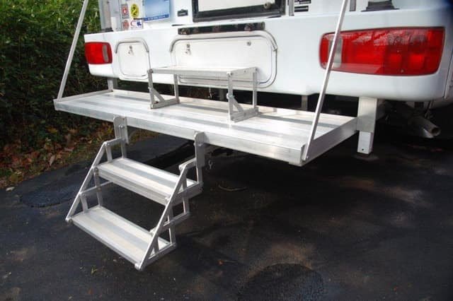 how to build stairs for a camper trailer