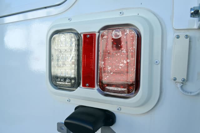2012 Adventurer 86FB LED Exterior
