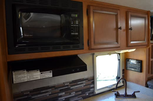 Palomino-Camper-2910-Review-microwave