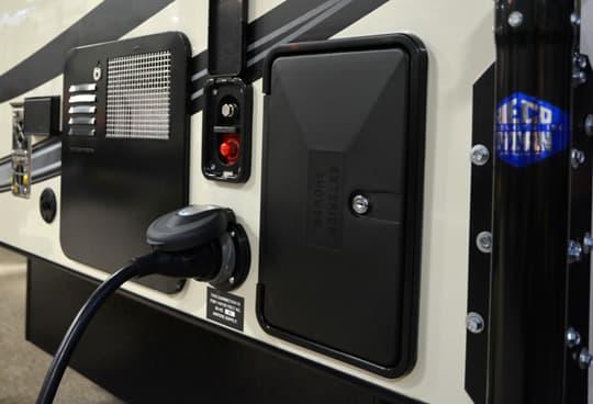 Palomino Ss 550 Pop Up Truck Camper For Half Ton Trucks