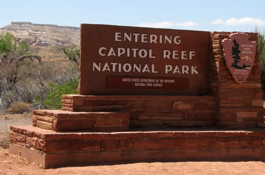 Capitol-Reef-National-Park-sign