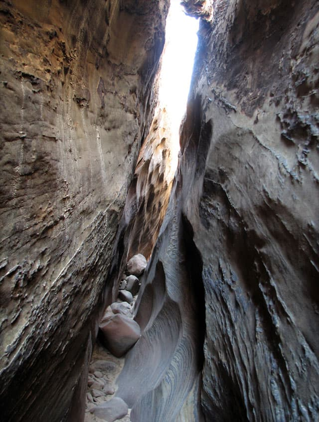 Slot-canyon-obstacle