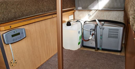 fuel-cell-camper-Efoy-installed
