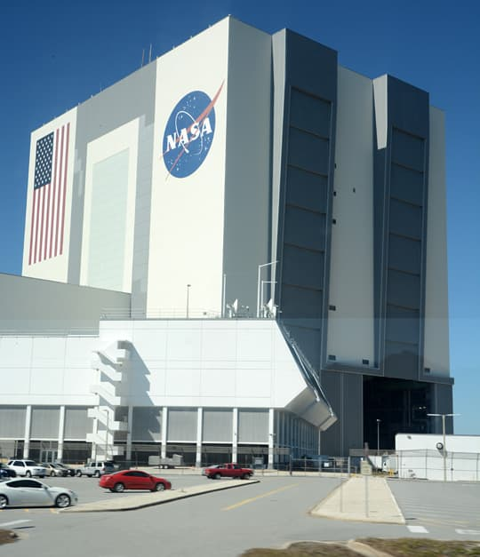 Kennedy-Space-Center-tall-building-1